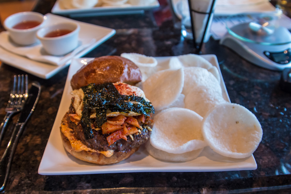 nom-nom-burger-angus