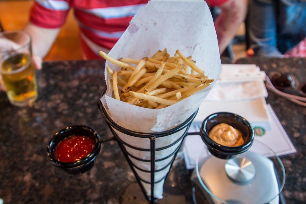 nom-nom-burger-fries