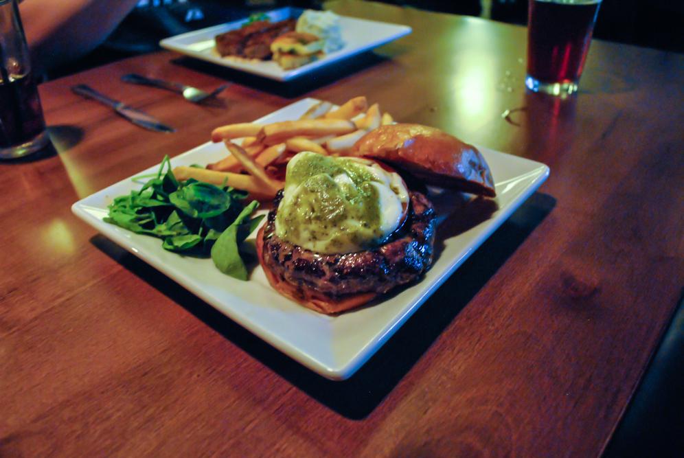 harrys-grill-tavern-3